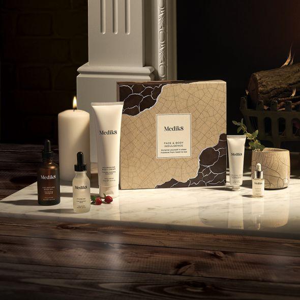 Medik8 luxusní dárkový balíček Face & Body Indulgence