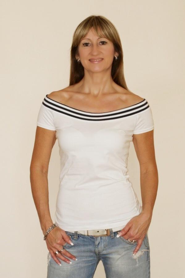 Tričko s lodičkovým výstřihem
